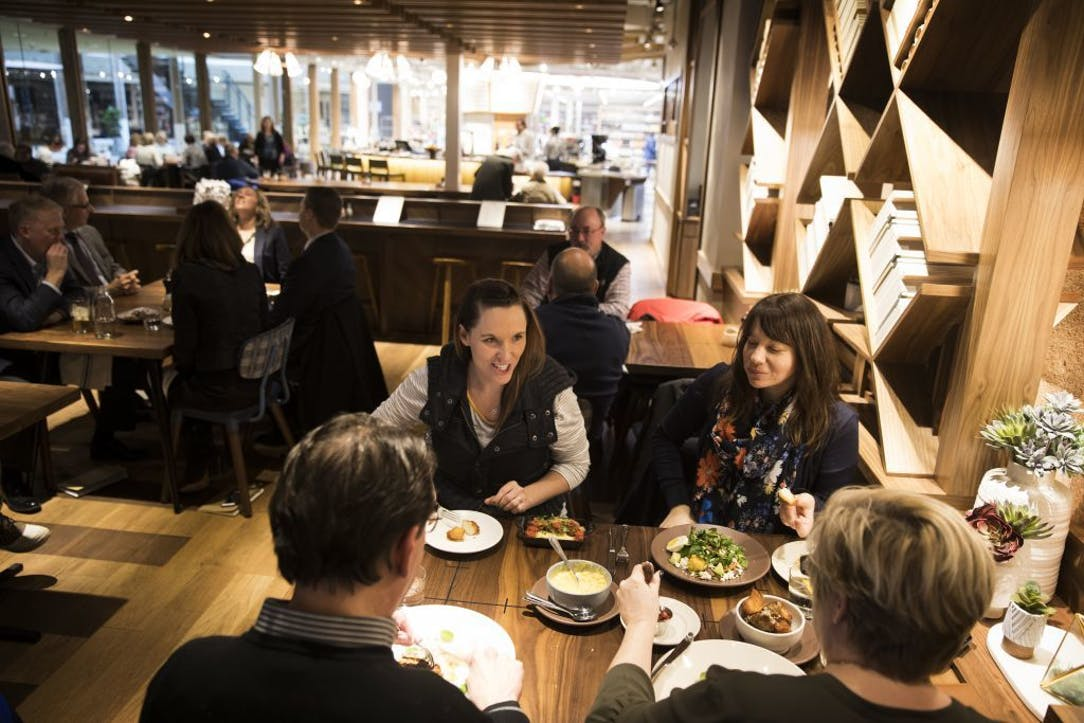 Barnes Noble S New Edina Restaurant Has All The Makings Of A Bestseller Star Tribune