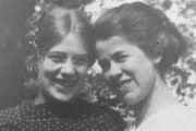 Alice Matthews, right, and her sister Jennie, who nearly discovered her strangled body in 1912 but assumed it was a drunken man. Alice's body, lying