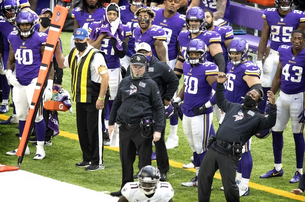 Mike Zimmer and other Vikings coaches and players reacted to Falcons receiver Julio Jones catching a 40-yard touchdown pass in the third quarter Sunda