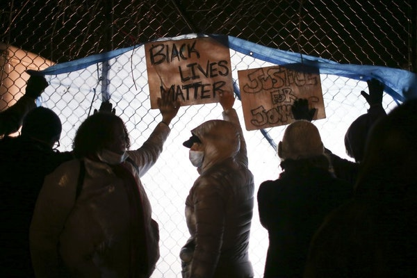 The poll of 800 Minnesotans came a few months after the police shooting of Jamar Clark in north Minneapolis and weeks of public demonstrations outside