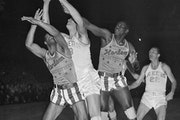 Reusse: Lakers' rivalry with Harlem Globetrotters was brief, crowd pleasing