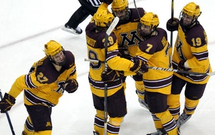 Gophers stay perfect with six goals against Arizona State