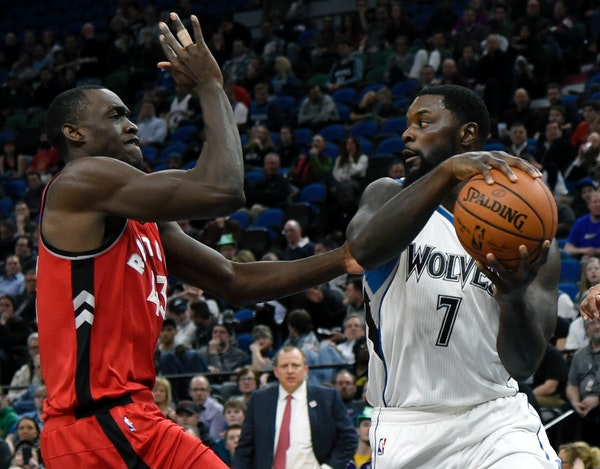Minnesota Timberwolves guard Lance Stephenson (7) passes away from Toronto Raptors forward Pascal Siakam (43), of Cameroon, during the second quarter
