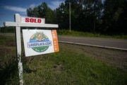 """Despite the pandemic, """"Sold"""" signs have been common all over Minnesota during 2020 as the real estate market posted sales gains..    ] Staff photo by"""