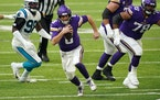 Minnesota Vikings quarterback Kirk Cousins (8) scrambled out of the pocket with the ball in the second quarter. ] ANTHONY SOUFFLE • anthony.souffle@