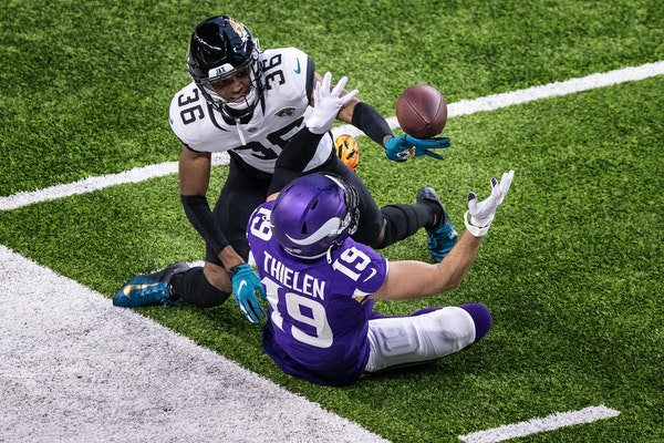 Souhan: Vikings are winning - and bumbling - all at the same time