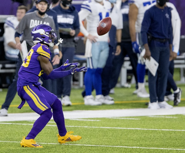 Cornerback Kris Boyd was placed on injured reserve by the Vikings on Tuesday.