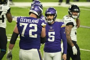 Vikings kicker Dan Bailey (5) got a vote of confidence from coach Mike Zimmer in front of the team this week.
