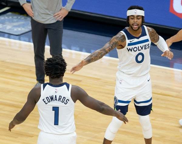 How many games will the Wolves win? Predictions all over the map