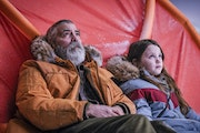 """George Clooney and Caoilinn Springall have an Arctic rap session in """"The Midnight Sky."""""""