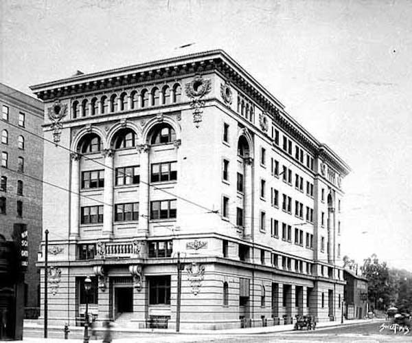 Cream of Wheat's factory in Minneapolis, circa 1906, was a rare classical beauty.