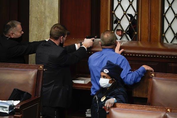 AP photographers describe scene inside Capitol