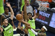 Timberwolves regain Towns but fall in overtime to Spurs