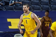 Gophers men preparing for undefeated, red-hot Wolverines