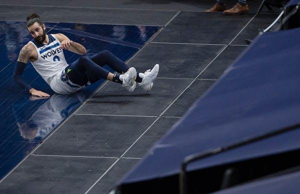 Minnesota Timberwolves Ricky Rubio (9).