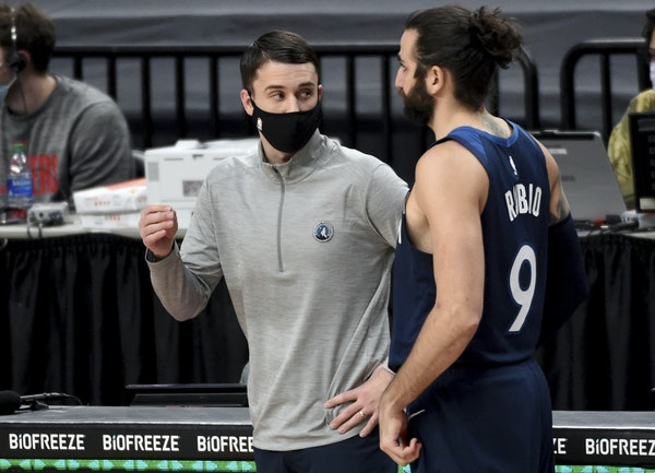 Souhan: Let's be clear. The problem with the Wolves is not Ryan Saunders