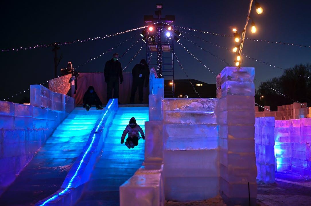 Get lost in winter: Stillwater opens an ice maze   Star Tribune