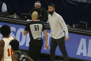 Timberwolves head coach Ryan Saunders argues with an official before receiving a technical during the second half