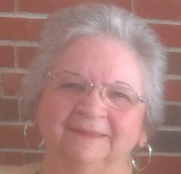 Violet Rocek, a social worker dedicated to helping Indigenous families, dies of COVID-19 at 85