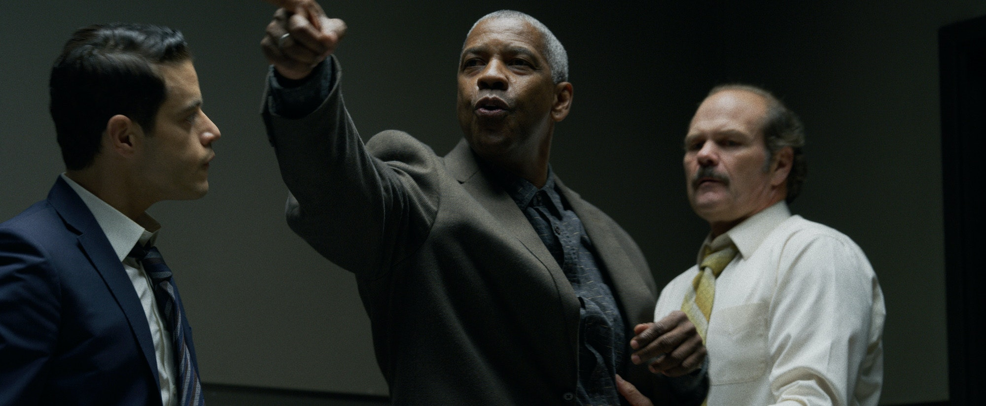 In 'The Little Things,' Denzel Washington tracks another killer, and it's another good movie   Star Tribune