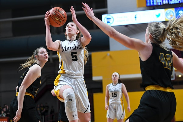 Duluth Marshall guard Gianna Kneepkens is on track to reach 3,000 career points in Friday's game at Pine City — and now her parents can attend.
