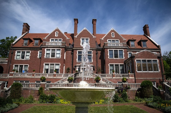 Glensheen Mansion.