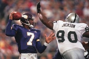 Longtime Eagles quarterback Randall Cunningham landed on the open market and went from backup to starter on the Vikings' 1998 team that went 15-1.