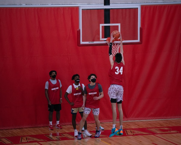 Chet Holmgren, the nation's top basketball recruit,  dunked during a drill at a recent Minnehaha Academy practice.