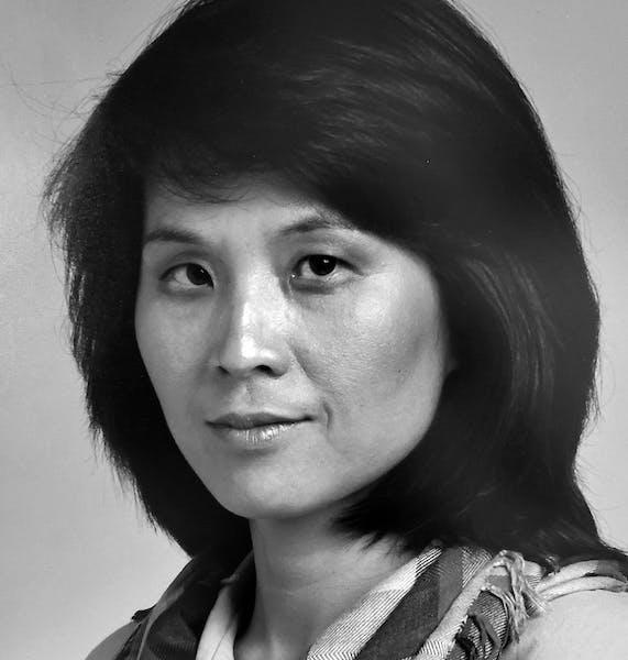 LiHong 'Linda' Burdick, businesswoman and painter, dies of COVID-19 complications at 72.