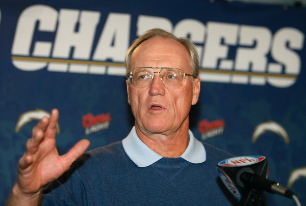 """Marty Schottenheimer, who won 200 regular-season games with four NFL teams thanks to his """"Martyball"""" brand of smash-mouth football but regularly f"""