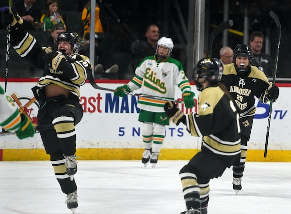 Andover's Gabby Krause, left, celebrated the Huskies' first goal in a 5-3 victory over Edina in last year's Class 2A girls' hockey title game.