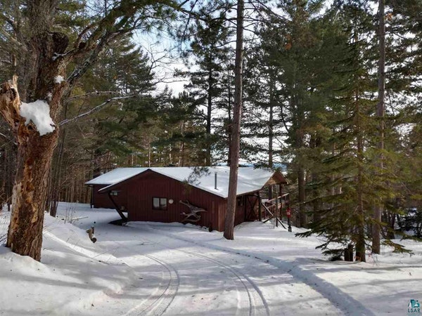 "Courtesy Kathleen Russell, Apostle Islands Realty A fiber internet-connected cabin overlooking Lake Superior in Bayfield, Wis., is advertised as ""yo"