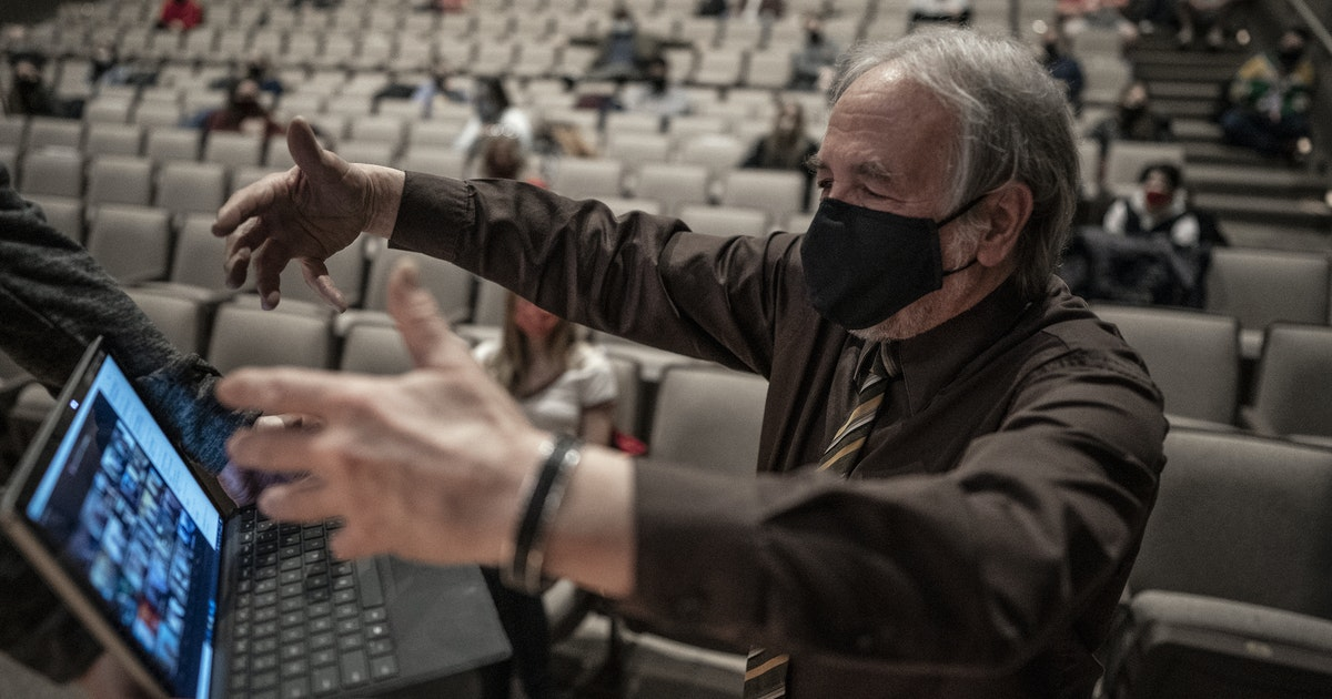 Beloved Collegeville, Minn., music professor feted with virtual choir as he retires