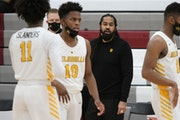 Columbia Heights boys' basketball beats DeLaSalle 62-60