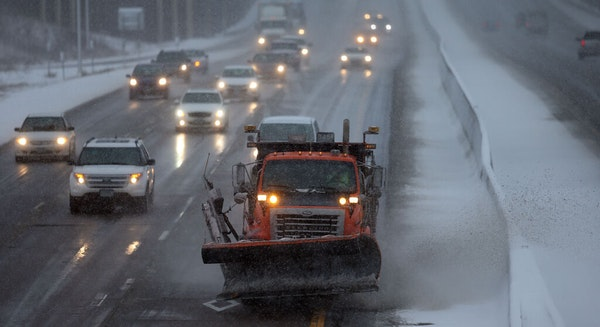 A MnDOT snowplow driver cleared a stretch of I-35W in Burnsville in January 2017.