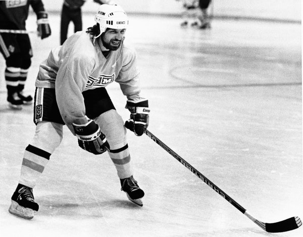 Reusse: Teammates' memories of Pavelich date to Iron Range, UMD and Olympics