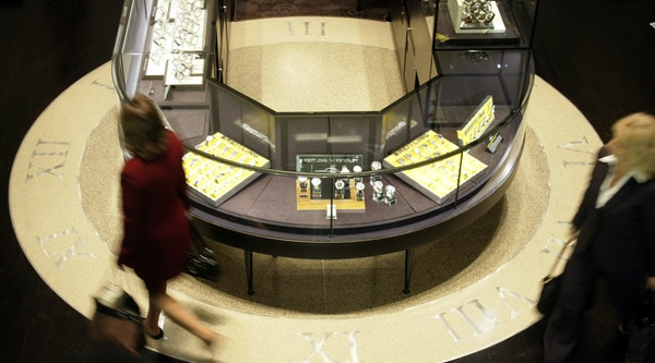 JB Hudson jewelers, shown in a 2008 file photo, is being sold to an Iowa-based jewelry retailing family.