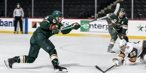 Kevin Fiala (22) of the Minnesota Wild shot and scored a goal in the first period.