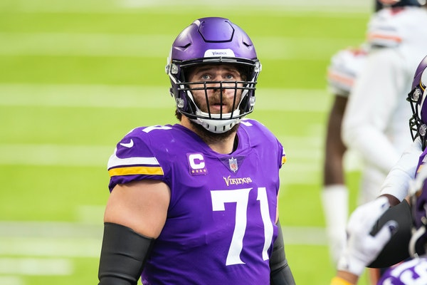Vikings offensive tackle Riley Reiff
