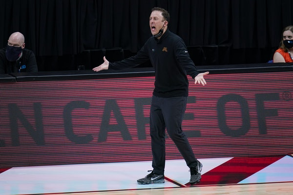 Gophers coach Richard Pitino reacted to a first-half call during Thursday's game against Ohio State.