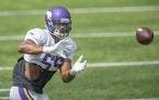 Anthony Barr is finalizing a restructured deal that will keep him in Minnesota for 2021