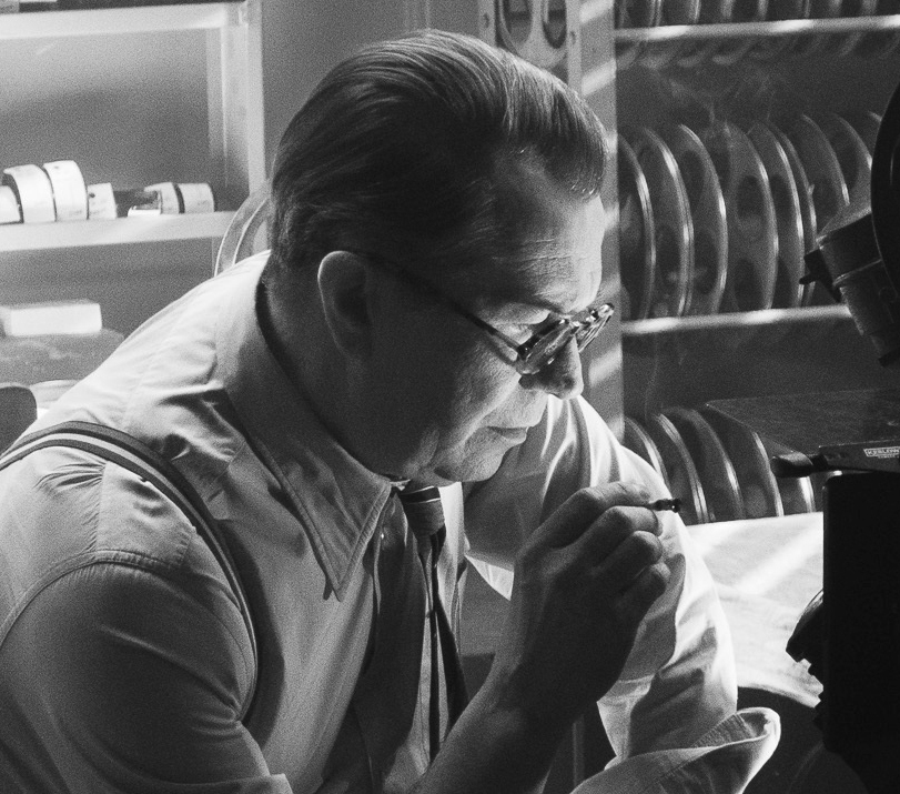 Gary Oldman portrays Herman Mankiewicz in 'Mank.'