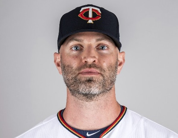 Happ feels strong, makes debut for Twins in loss to Atlanta