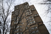 Investigators concluded that a sprinkler system would have saved lives in the Cedar High Apartments, a 25-story structure at 630 S. Cedar Av. In 2019,
