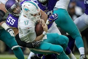 Anthony Barr sacked Miami quarterback Ryan Tannehill in a 2018 game.