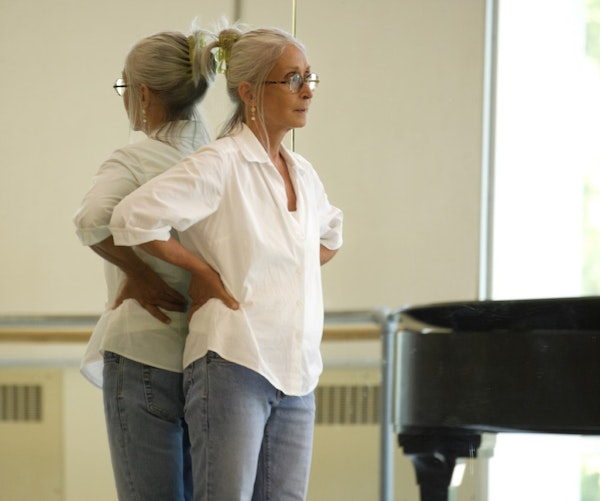 Twyla Tharp instructing at Pacific Northwest Ballet in 2008.