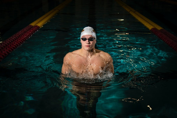 Gophers swimmer Max McHugh in 2019.