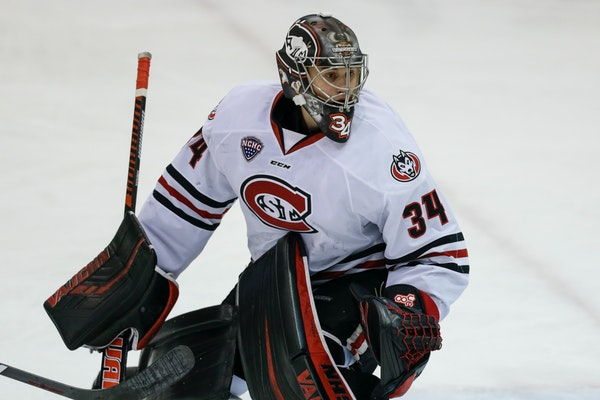 St. Cloud State blitzes Boston College to make Frozen Four for second time