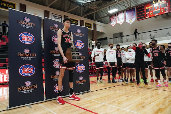 Minnehaha Academy's Chet Holmgren accepted the Naismith Prep Player of the Year Award before a game at Minnehaha Academy earlier this month.