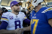 Vikings quarterback Kirk Cousins spoke with Chargers quarterback Philip Rivers at the end of the Vikings' 39-10 win in 2019